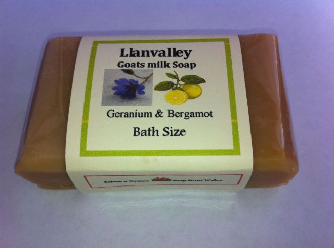 Bath Size Goatsmilk Soap with Geranium & Bergamot